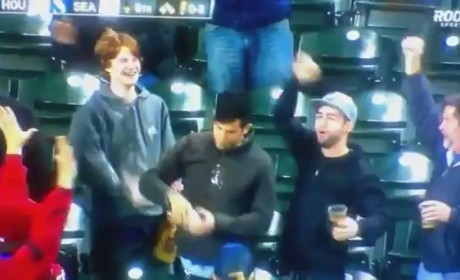 Mariners Fan Catches Foul Ball in Beer, Chugs it Like a Boss!