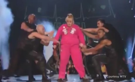Rebel Wilson MTV Movie Awards Intro (Clip)