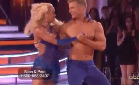 Sean Lowe Falters on Dancing With the Stars, Catherine Giudici Boos Judges