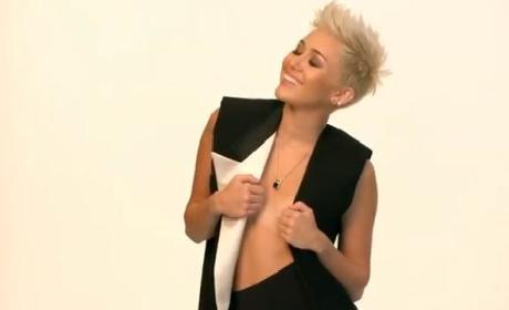 Miley Cyrus: Behind the Cover