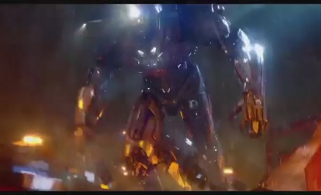 Pacific Rim TV Spot: Monsters Hit the U.S.