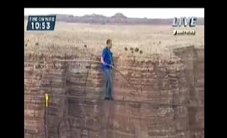 Nik Wallenda Grand Canyon Walk: Aerialist Crosses Quarter-Mile Chasm on Wire