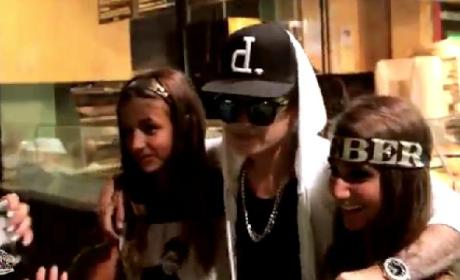 Justin Bieber Lookalike Pranks Fans