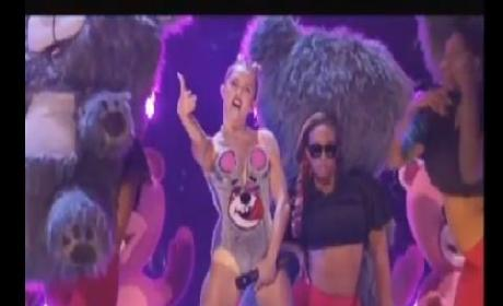 Miley Cyrus Twerking at VMAs