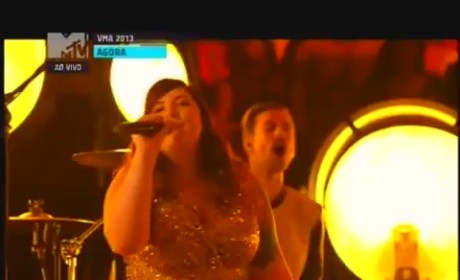 "Macklemore & Ryan Lewis Perform ""Same Love,"" Forget to Thank Mary Lambert at VMAs"