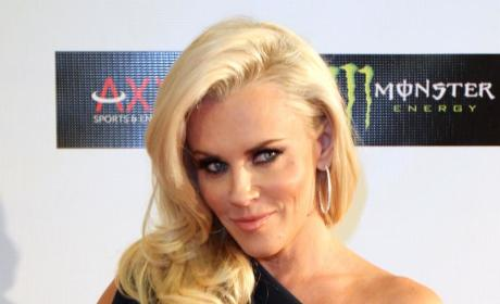 Jenny McCarthy Welcomes Donnie Wahlberg to The View