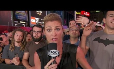 Erin Andrews Photobomb