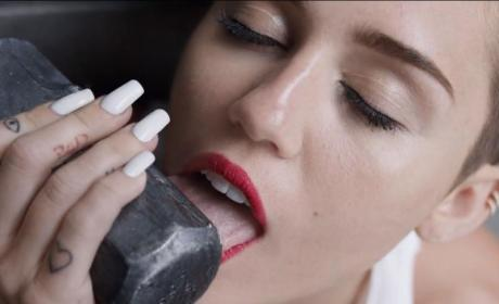 "Miley Cyrus ""Wrecking Ball"" Report"