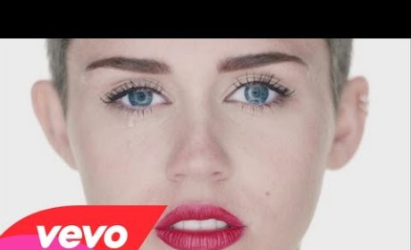 Miley Cyrus: Naked, Riding Wrecking Ball in New Music Video