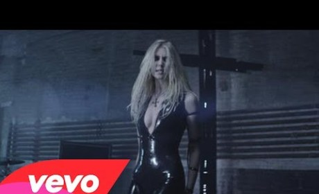 "Taylor Momsen: ""Going to Hell"" For Sure With New Pretty Reckless Video!"