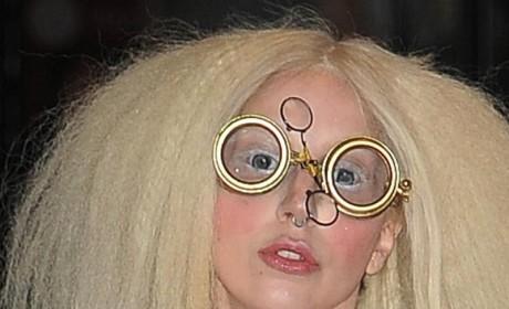 Lady Gaga: Nude on Stage!
