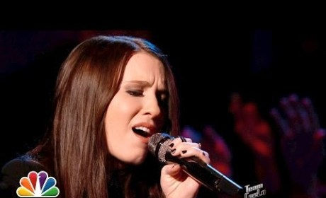 "Kat Robichaud: ""She Keeps Me Warm"" - The Voice"
