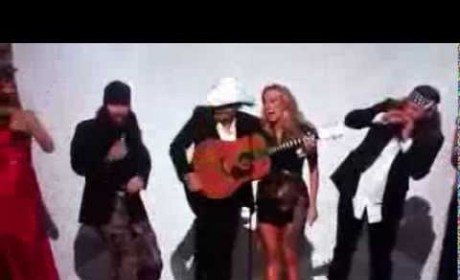 Duck Dynasty Cast: Sort of Twerking at CMA Awards!