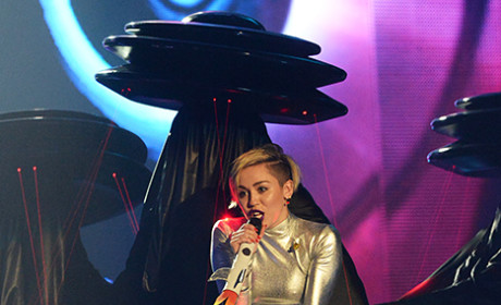 Miley Cyrus Performs Twice on EMAs, Tells Fans to HAVE FUN