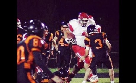 400-Pound Running Back Wreaks Havoc in High School
