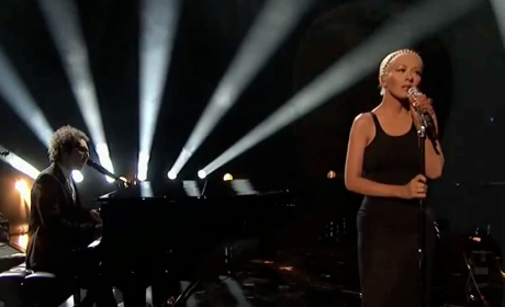 "Christina Aguilera, A Great Big World Perform ""Say Something"" at AMAs"