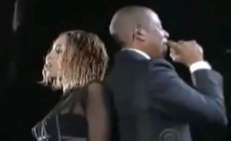 "Beyonce and Jay-Z Open Grammys, Are Awesomely ""Drunk in Love"""