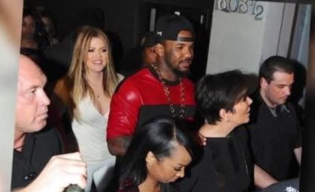 Khloe Kardashian Smoking in a Club?