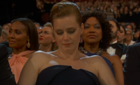 Amy Adams Checks Phone at Oscars