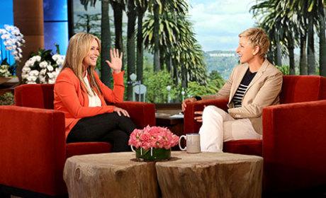 Jennifer Love Hewitt Appears on Ellen, Actually Wears Clothing