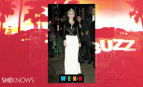 Miley Cyrus: Bangerz Sales Plummet!