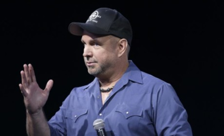 Garth Brooks Announces New Album, World Tour