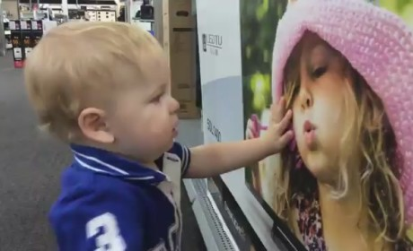 Toddler Finds Love at Best Buy, Puts Move on Toshiba TV Cutie