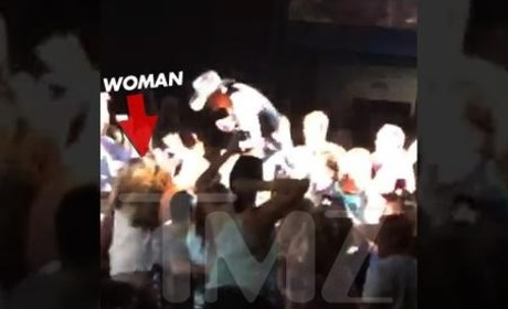 Tim McGraw Hits Woman in Concert