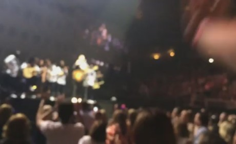 "Justin Timberlake, 25,000 Attendees Sing ""Happy Birthday"" to Autistic Fan in Concert"