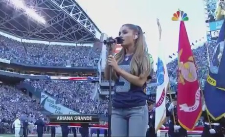 Ariana Grande National Anthem (2014 NFL Opening Night)