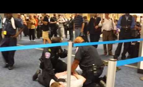 Paul Rudd Helps Take Down Homophobe in Dallas Airport?!