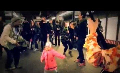 Girl Dances on NYC Subway Platform