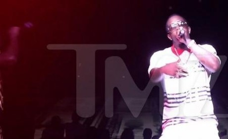 Diddy Trashes Drake On Stage