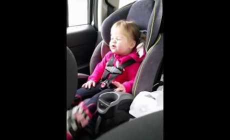 2-Year Old Lip-Syncs Taylor Swift