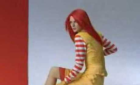 Taylor Swift Twin in McDonald's Ad