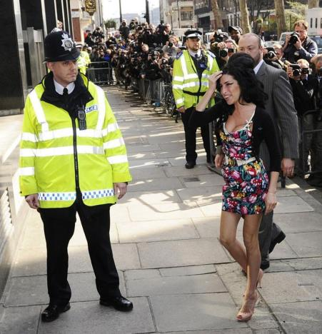 Amy Arrives in Court