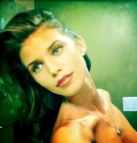 AnnaLynne McCord Topless Twit Pic