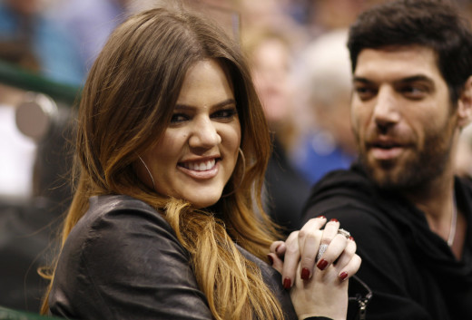 Khloe Kardashian Cheers on Mavs