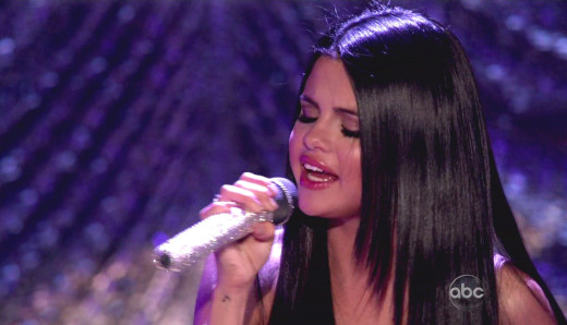 Selena Gomez Sings on DWTS