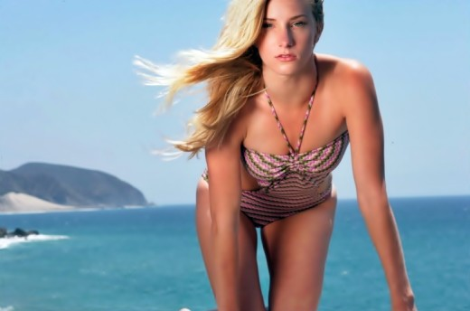 Heather Morris Bikini Picture