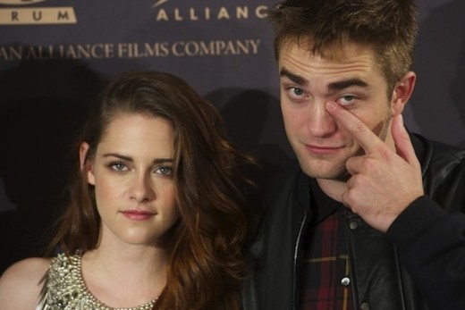 Kristen Stewart: Heartbroken Over Robert Pattinson Split