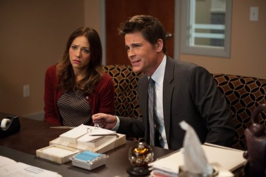 Rashida Jones and Rob Lowe