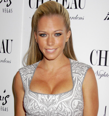 Kendra Wilkinson, Breasts