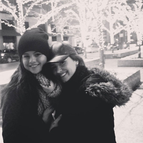 Selena Gomez and Demi Lovato Pose on Instagram, Are Total Besties