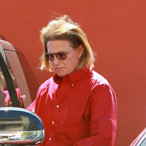 Bruce Jenner: Unlikely to Be Charged in Fatal Car Crash