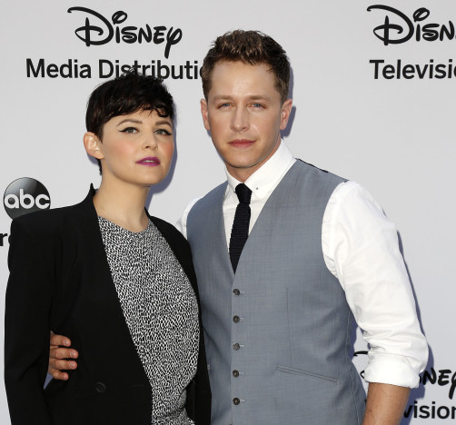 Ginnifer Goodwin and Josh Dallas Pic
