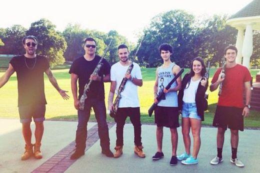 Liam Payne Gun Photo