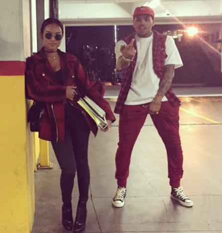 Chris Brown: Crotch Grab Alert!