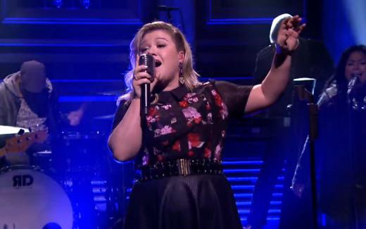 Kelly Clarkson on NBC