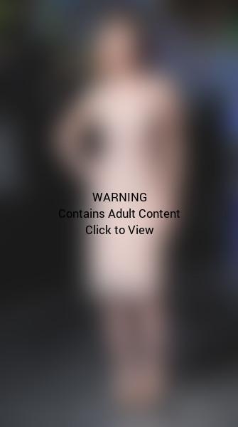 Scarlett Johansson, Nude Dress